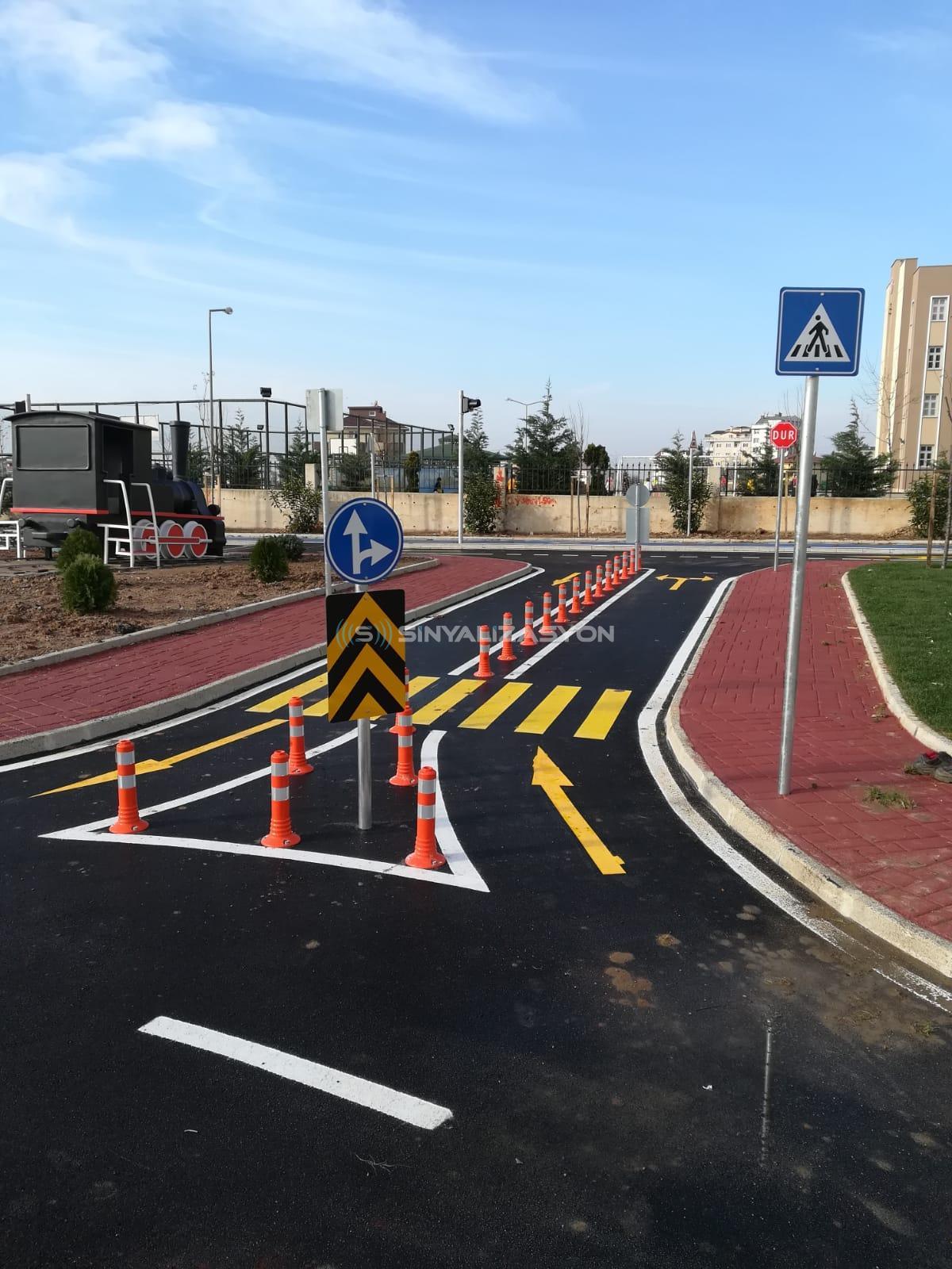 Çayırova Belediyesi için Trafik Eğitim Parkı Sinyalizasyon seti kurulumu gerçekleştirildi