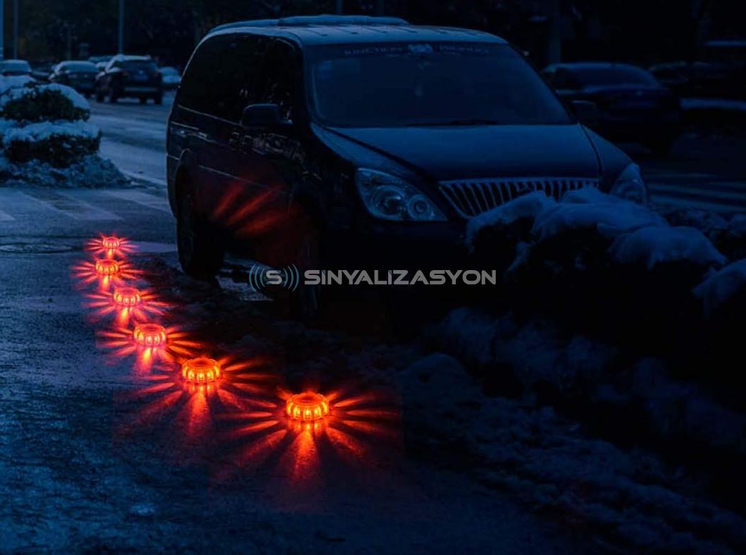 Şarj Edilebilir LED'li Yol Fişekleri